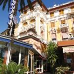 Facciate dell'hotel Mirò a Rapallo